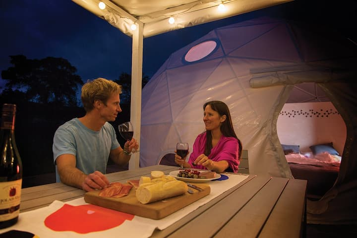 Dome 3 - glamping in the heart of the campsite
