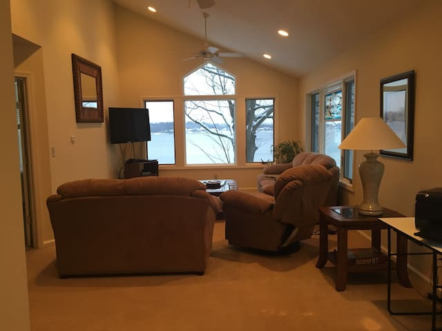 5 bed 4 bath house Coldwater Lake - Coldwater - Maison