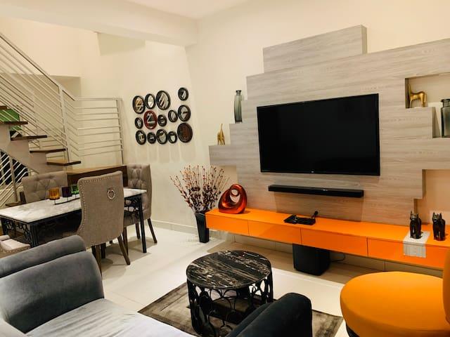 The PadRentals: Cozy 2-Bedroom Condo #5