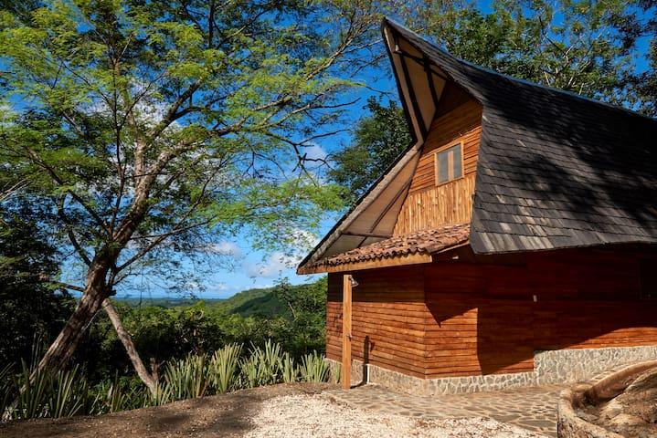 Casa Jungla- CABAÑA NATURAL VISTA AL MAR