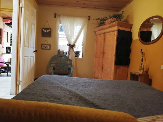 Double room&privat bthrm 2min centrl prk YOGAESPAI