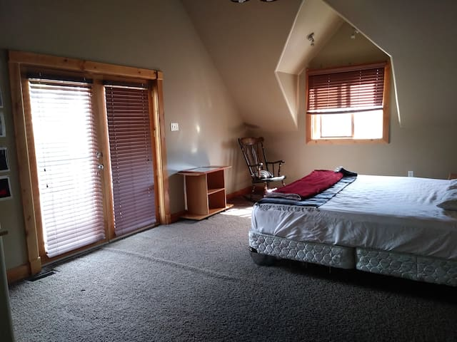 Beautiful bedroom in Salt Lake City, Close to all