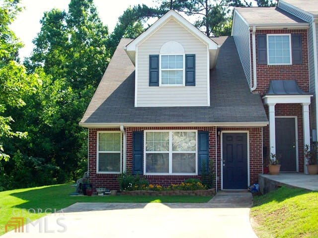 25 minutes South of the Atlanta Airport!  Save $$$ - Newnan - Rekkehus