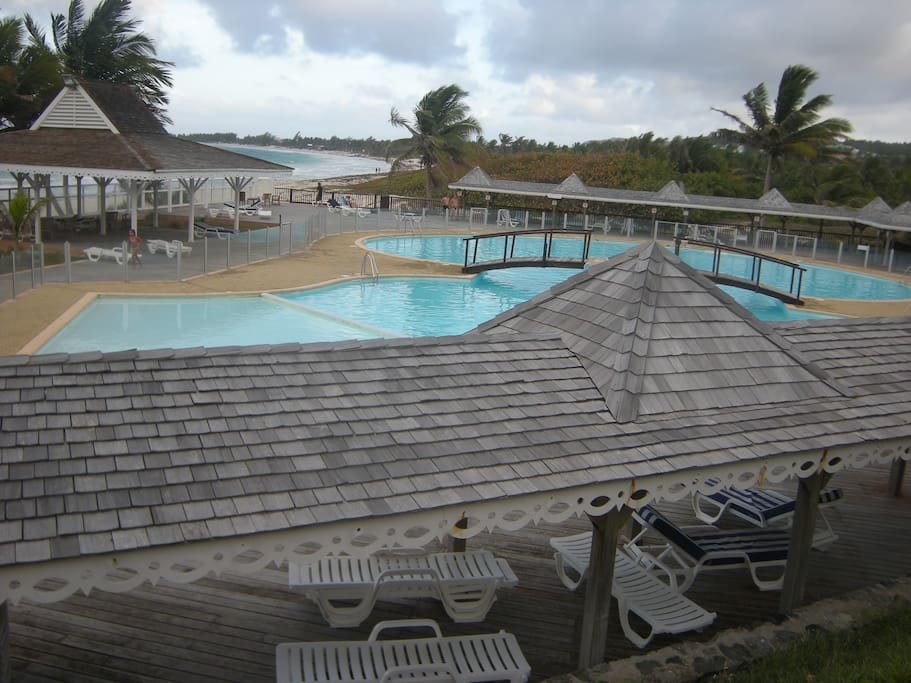 Pool on the ocean. Direct access to Orient beach