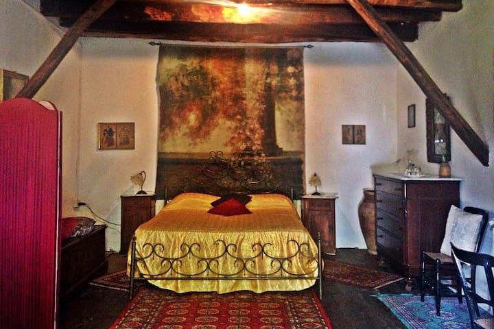 Sala Lisycon, nel cuore verde della Sicilia