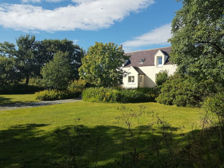 Mossbank, private garden