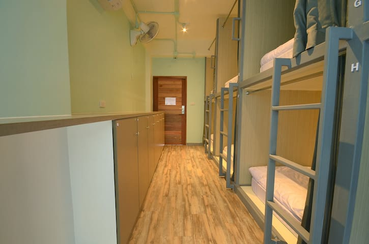 Good Day Hostel 8 Shared Beds C