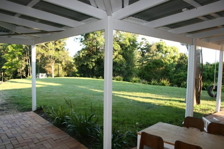 Mountain retreat, close to gallery - Murwillumbah