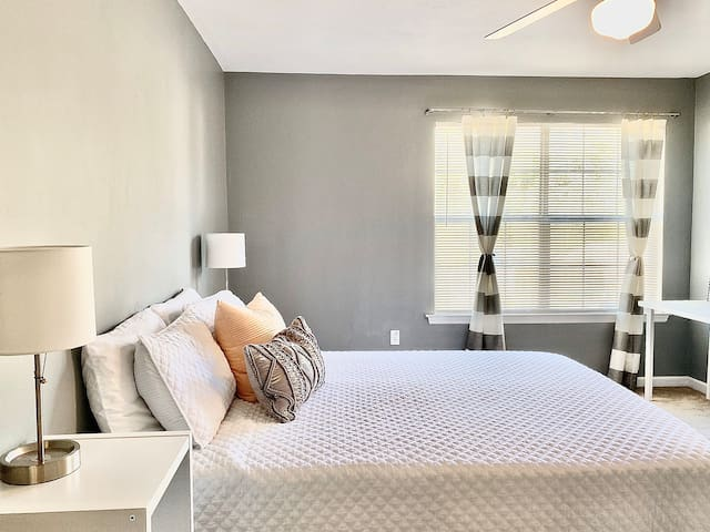 Quiet Townhome - Master Bedroom with Private Bath