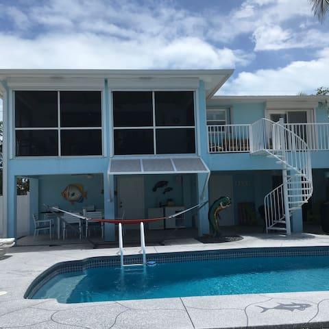Sea-Breeze Marathon Florida keys family pool home