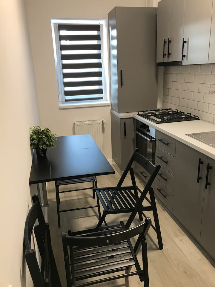 Cozy, central,new apartment- Free parking