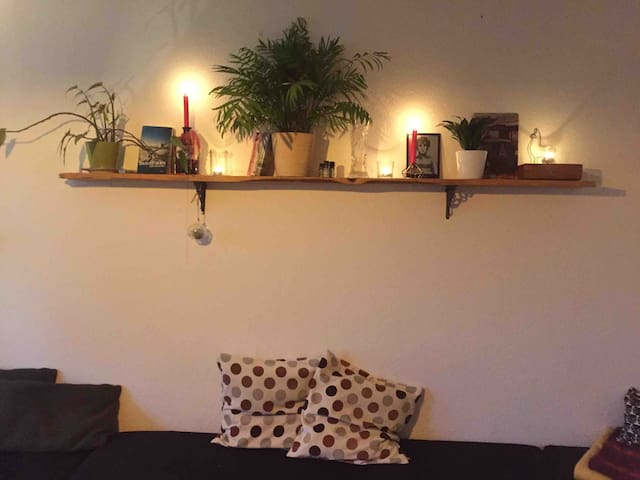 cosy room in friedrichshain // free coffee and tea