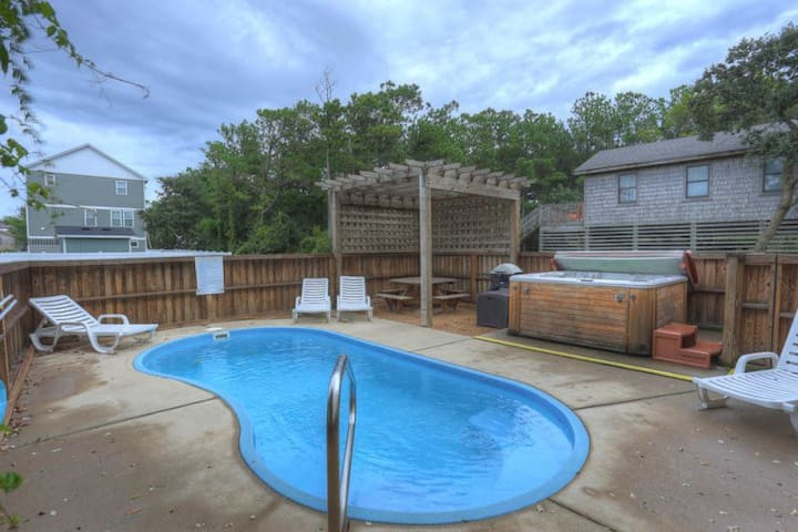 6045 Summer Fun II * 8 Min Walk to Beach * Dog Friendly * Private Pool * Close to Shopping