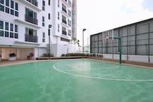 Lifestyle Facilities   Basketball Court