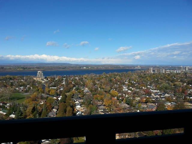 Beautiful Penthouse suite - Ottawa - Apartamento