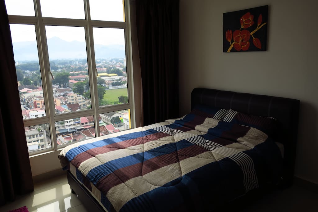 Comfortable and spacious Master Bedroom overlooking the majestic Kinta Valley
