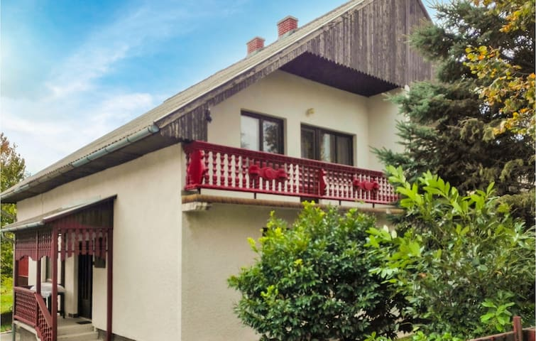 Holiday apartment with 3 bedrooms on 49m² in Balatongyörök