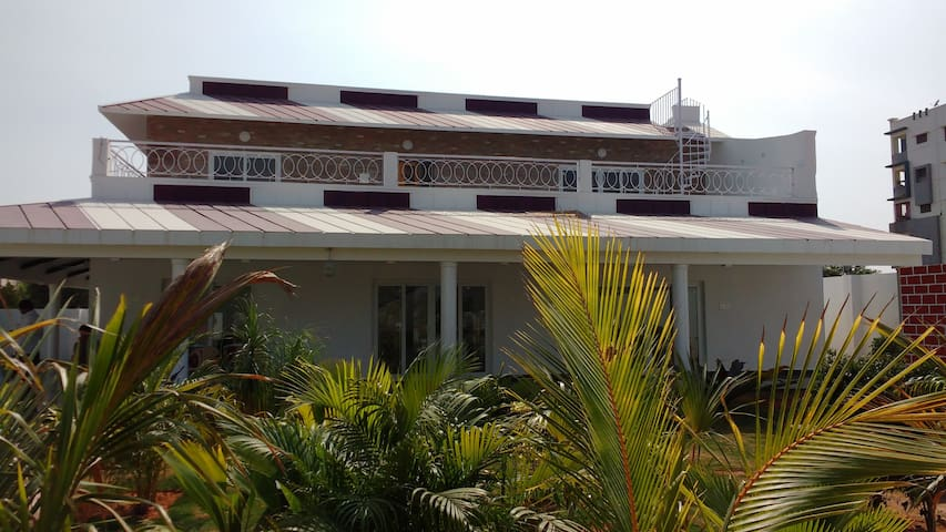 Elegant and Comfy Duplex Villa with pool - Hyderabad - Villa