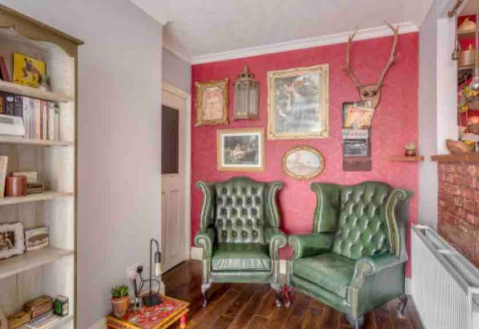 Quirky apartment near Stanstead airport