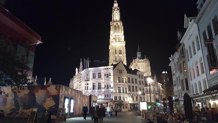 AAA location ,Romantic studio 1* heart of Antwerp.