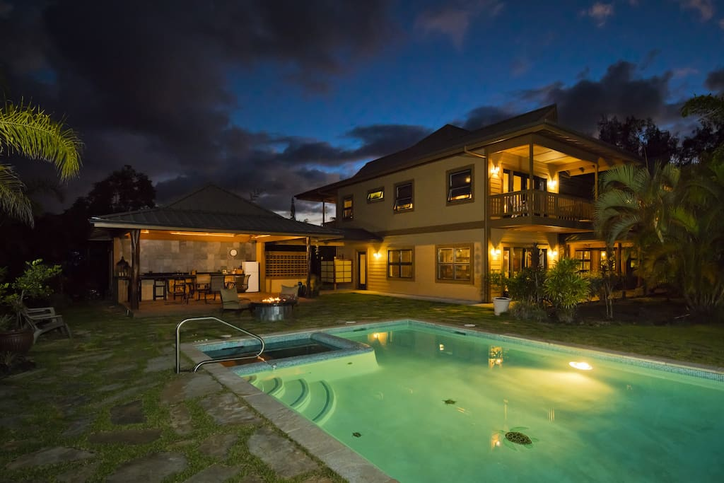 Pool and Outside Lanai (built in bbq, fridge, etc...) has illumination