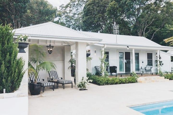 Elegant Studio, Brooklet Pool House