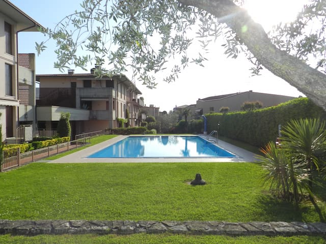BARDOLINO IN 1 - two roomed, swimmingpool, central