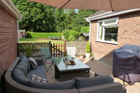 Perfect base to explore beautiful Norfolk - Beetley - Bungalou