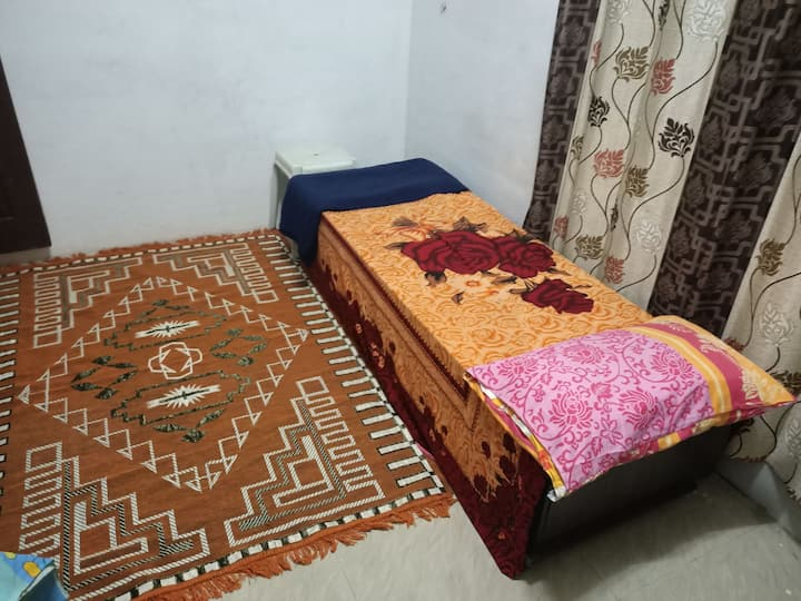 Single Room in Fresh & Pure Airy place @Mysore