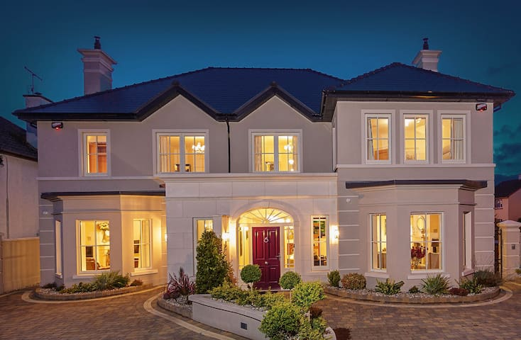 Belmont /Charleston  Luxquisite Property Lettings