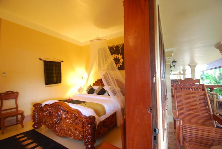 Lovely Suite for 2 in Angkor