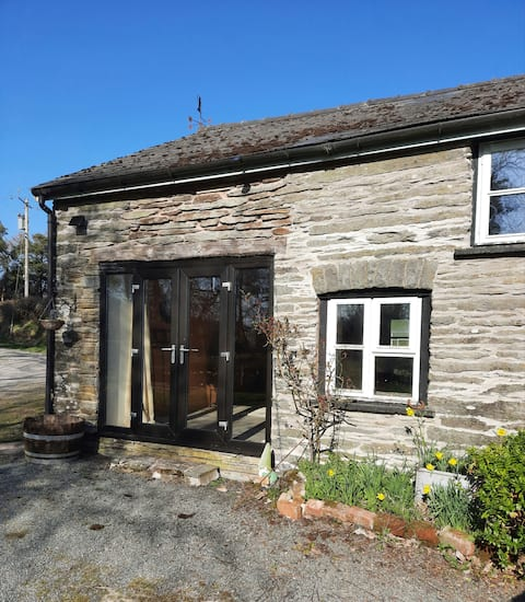 Rhayader, peaceful self contained barn conversion
