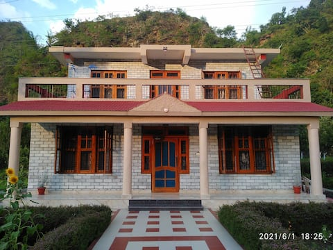 Akhil Farm House for 4+ guests near Mandi Approved by Himachal Pradesh Tourism Development Corporation( A H.P. State Government Undertaking)