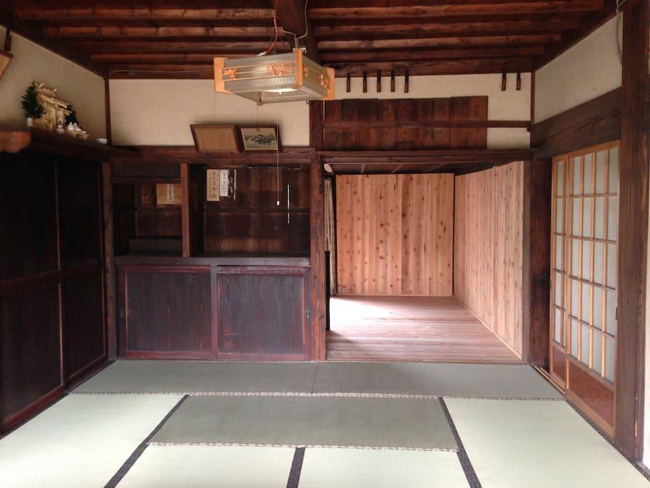 this house is build in Edo era(1800).