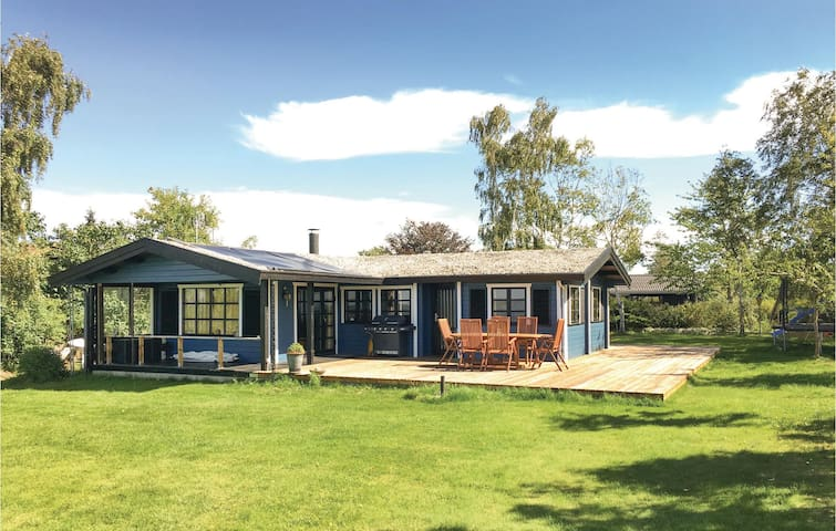 Holiday cottage with 3 bedrooms on 65 m² in Skibby