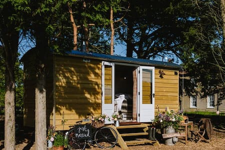 Godwick Shepherds Hut - The Ryeland Retreat - Godwick
