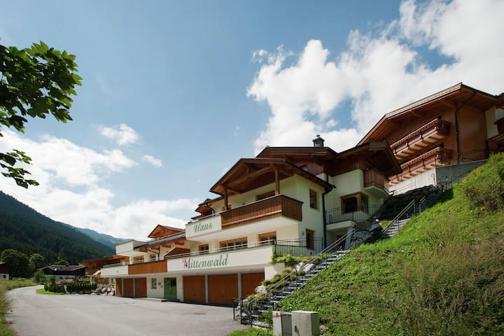 Boutique Chalet in Saalbach-Hinterglemm with Balcony
