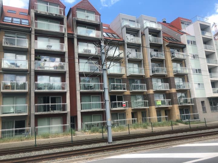 Elisa, gezellig appartement te Nieuwpoort-bad