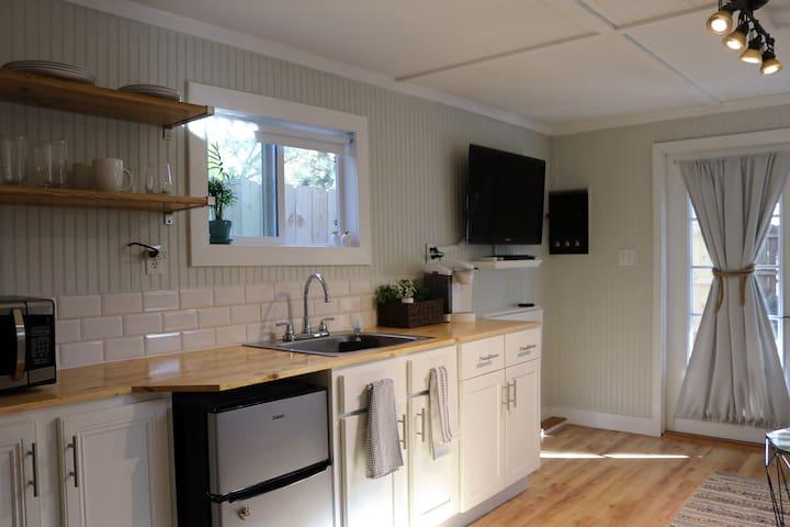Large kitchenette