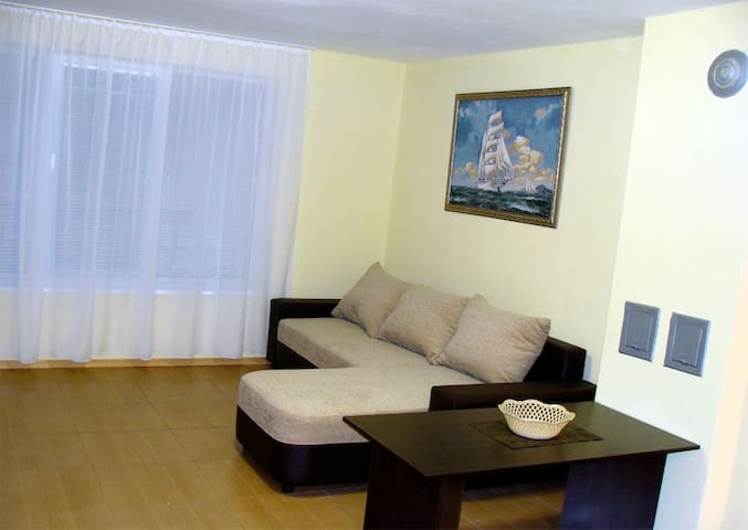 Уютная квартира в центре Поморие в 70 м. от пляжа - Pomorie - Flat