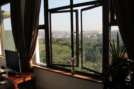 Private Master Bedroom Kololo Hill, FullyFurnished - Kampala
