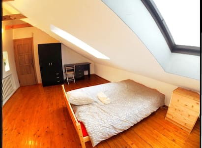 SMALL PRIVAT DOUBLE ROOM IN OLD TOWN +free parking - Vilna