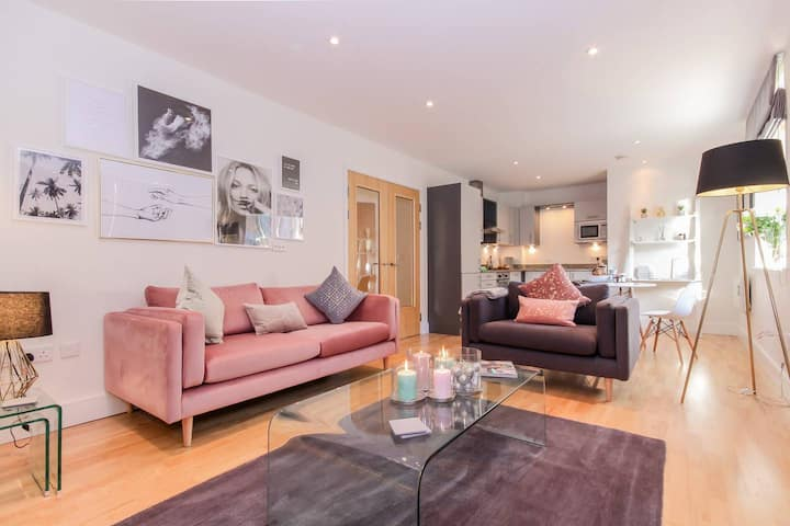 ★Luxury apartment in the heart of the City Centre★