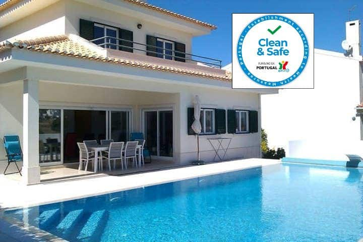 Lovely Villa & Pool, close to Sesimbra, Sleeps 8