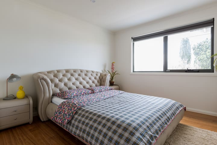 1  floor luxury 2BR 90m2 apartment with Free WI-FI - Saint Leonards - Appartement