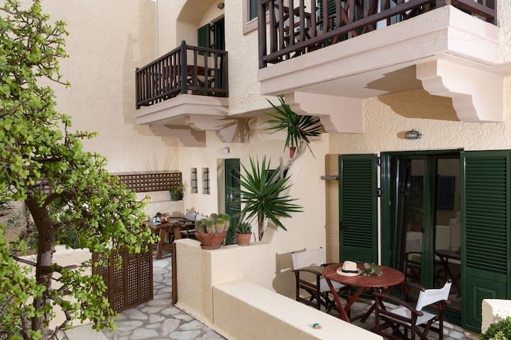 Porto Sisi Cozy Apartment