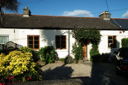 4 bed seaside cottage in Dublin - Blackrock