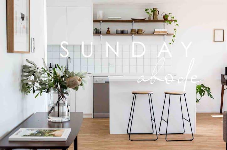 Noosa 2 bedroom Apartment / @sundayabode