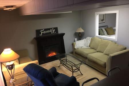 Simplicity & Solitude Suite - Montclair - Apartment