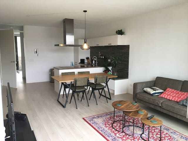 High-end spacious apartment on practical location